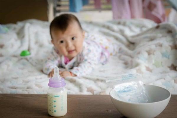 Tùy thuộc vào nơi bảo quản thì sẽ có thời gian sử dụng sữa khác nhau