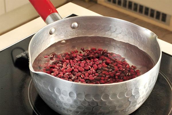 Cách nấu nước đậu đỏ lợi sữa là bí quyết được truyền qua nhiều đời,áp dụng cho hiệu quả cao