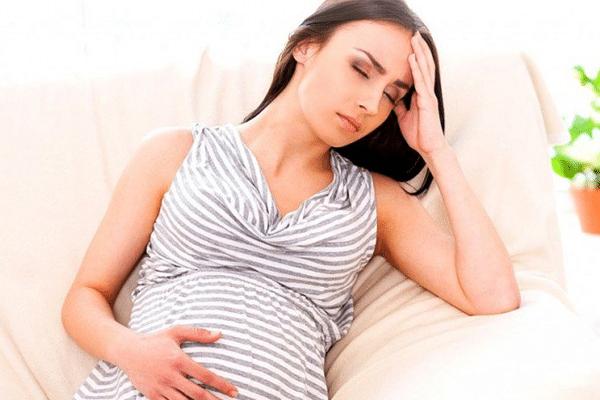Tình trạng mệt mỏi, buồn ngủ sẽ xảy ra một cách thường xuyên hơn trong quá trình mang thai khi cho con bú