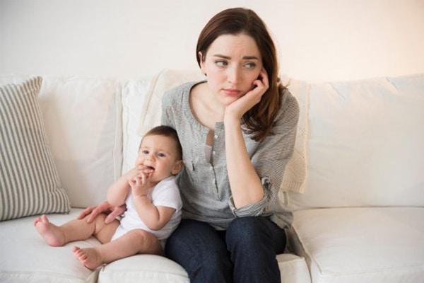 Tâm lý căng thẳng gây vơi sữa dần ở mẹ