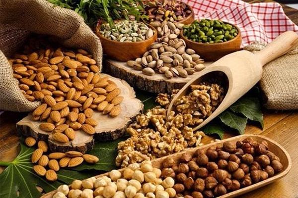 Đừng quên bổ sung các loại hạt trong khẩu phần ăn của mẹ