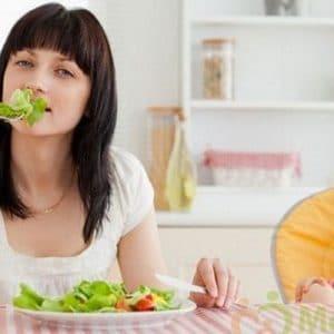 Phụ nữ sau sinh nên ăn rau gì?