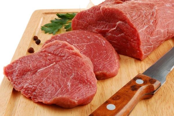 Phụ nữ sau sinh nên ăn gì? Thịt bò là thực phẩm không thể thiếu