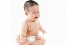 Trẻ bú phải nguồn sữa bị nóng sẽ gặp hàng loạt những vấn đề về tiêu hóa