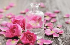 Làm tinh dầu hoa hồng không quá phức tạp