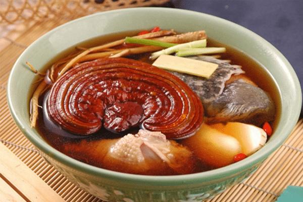 Canh nấm Linh Chi hầm với gà
