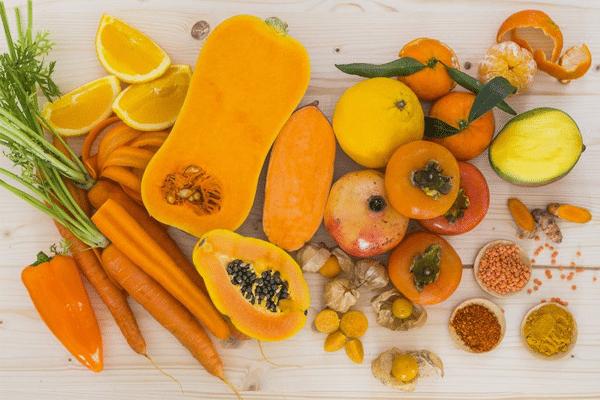 Không kết hợp tinh dầu gấc với thực phẩm giàu Beta - caroten