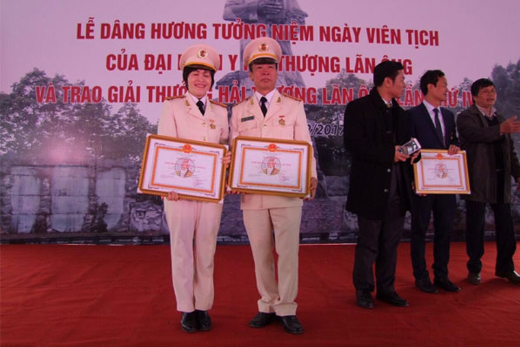 Bác sĩ Nguyễn Văn Loãn- vị bác sĩ nghiêm khắc