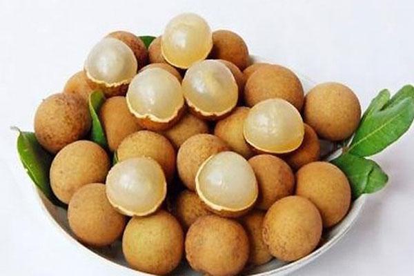 Long nhãn là một món ăn vô cùng quen thuộc đối với người Việt