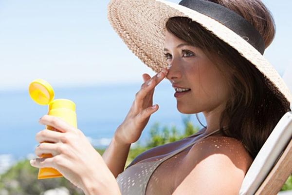 Bảo vệ da khỏi ánh nắng trong thời gian sử dụng chanh