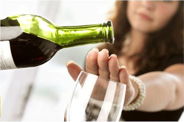 Hạn chế uống bia rượu và thức uống có cồn