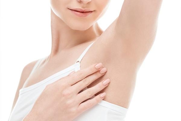 Phương pháp điều trị laser không để lại sẹo dưới vùng nách