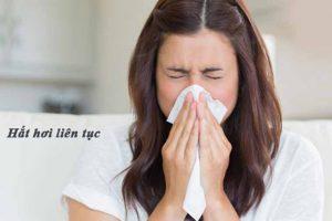 Hắt hơi liên tục là triệu chứng viêm mũi dị ứng điển hình