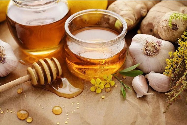Cách chữa viêm họng bằng tỏi và mật ong