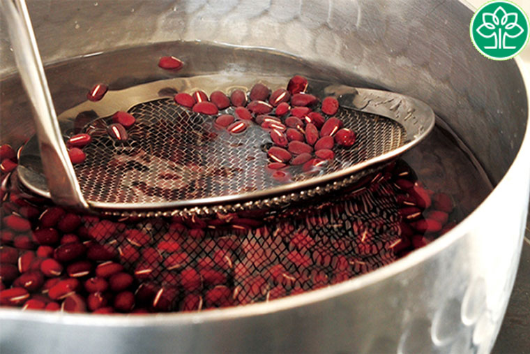 Cách nấu nước đậu đỏ lợi sữa
