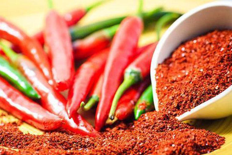 Bệnh nhân không nên ăn những thực phẩm cay, nóng, khô, cứng… sau phẩu thuật amidan