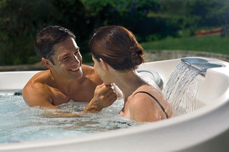 Tinh thần thoải mái giúp cho đàn ông kiểm soát khả năng xuất tinh tốt hơn
