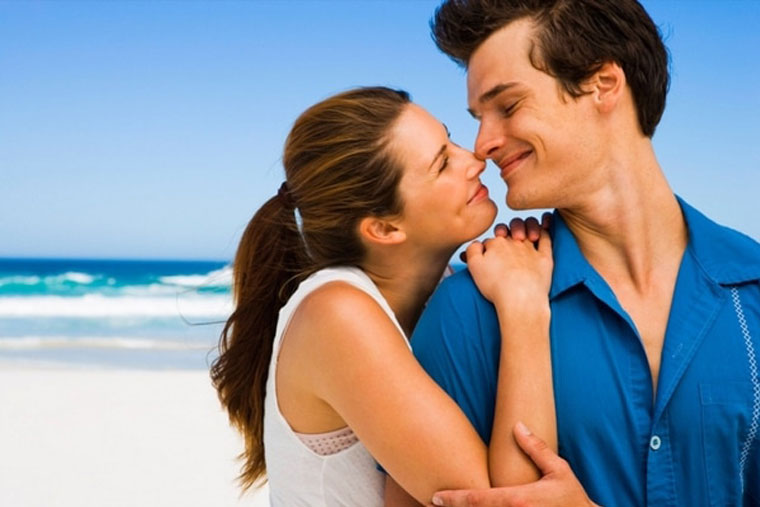 Đừng ngại ngần chia sẻ với bạn tình để giảm căng thẳng, áp lực