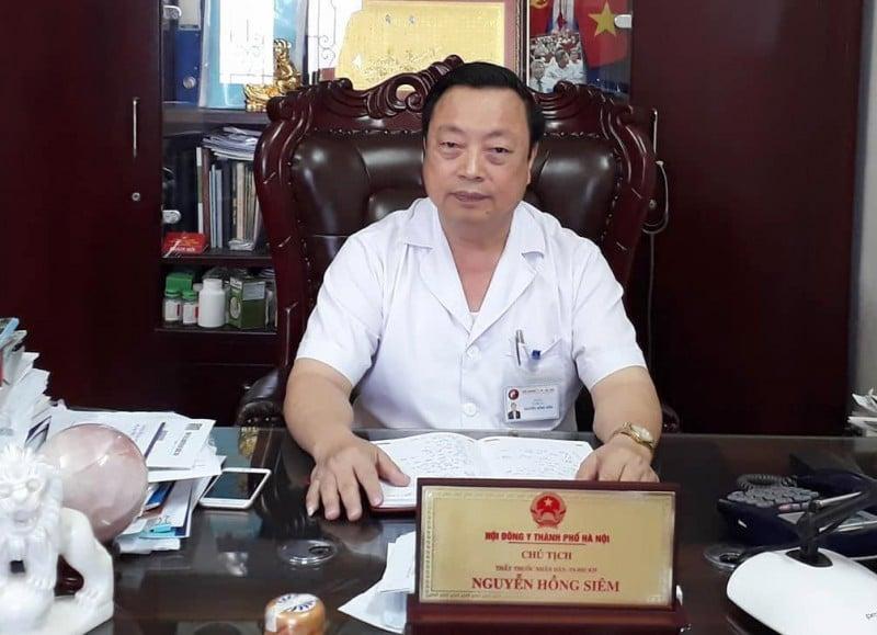 Thầy thuốc Nhân dân Nguyễn Hồng Siêm dành cả cuộc đời cho nghiên cứu khoa học và cứu người.